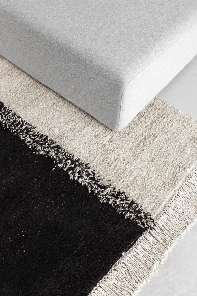 Sera Helsinki E1027 Black Knotted Carpet closeup
